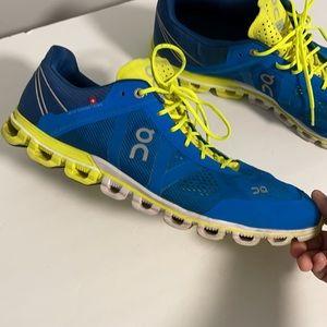 On CloudFlow Running Men's Shoe